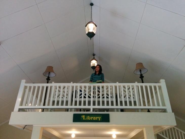 Library - Saung Dahlia